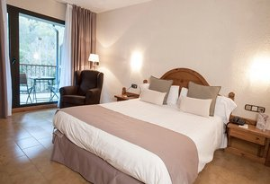 Enjoy the comfort and well-being in the standard double rooms ...